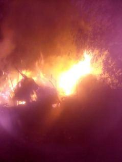 आग से तीन घर खाक