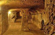 दीवार की मरम्मत के दौरान मिला सालों पुराना भूमिगत शहर !
