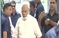 असम : राज्यपाल व CM ने किया पीएम का स्वागत