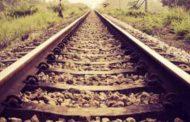 रेलवे ट्रैक पर मिला प्रेमी जोड़े का शव