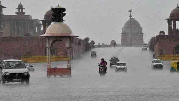 राजधानी दिल्ली में बारिश ने तोड़ा रिकॉर्ड