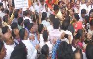 शिवसेना का महंगाई के विरोध में प्रदर्शन