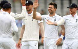 इंग्लैड ने पहली पारी में 302 रन बनाए, ऑस्ट्रेलिया के 165 पर 4 विकेट गिरे