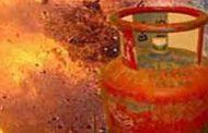 गैस सिलेंडर विस्फोट, एक ही परिवार के चार घायल
