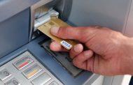 ATM में अंकल कहकर इस तरह लगाया 41 हजार का चूना
