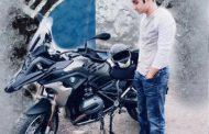 बाइक राइडर वरुण की सड़क दुर्घटना में मौत .