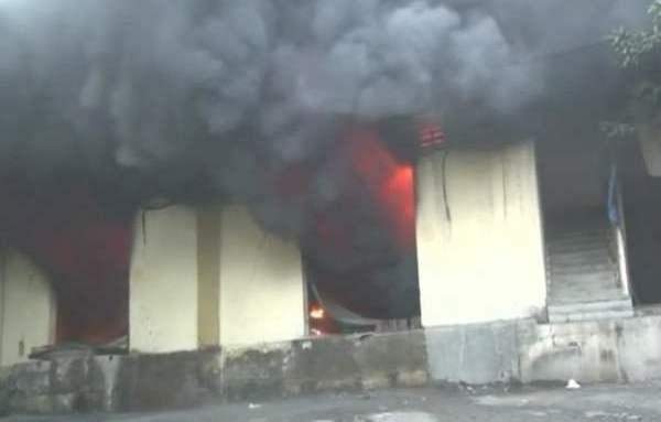 भिवंडी में 16 गोदामों में लगी भीषण आग , गोदाम जलकर खाक