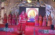 बना और बाईसा ने राजपुतानी अंदाज में किया कैटवॉक, बिखेरा राजपुताना संस्कृति का जलवा