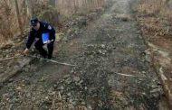 हद हैं : एक शख्स ने रातोरात चुरा ली सड़क , सच्चाई जान ग्रामीणों के उड़े होश !