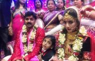 भोजपुरी सुपरस्टार पवन सिंह ने गाँव की इस लड़की से रचाई दूसरी शादी , माँ ने पसंद की थी दुल्हन , देखे शादी की pics