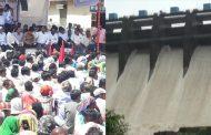 किसानो की समस्या सुनने के लिए सरकार के पास नहीं है समय,  विरार –भायंदर मनपा को दिए गए पानी के विरोध में 5 दिन से अनशन पर बैठे है लोग