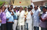 कर्नाटक की ऐतिहासिक जीत पर झूमे भाजपाई