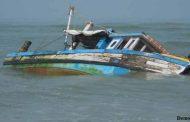 अरब सागर में मछली पकड़ने गयी नाव डूबी , 13 लोगो बचाया गया