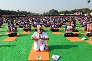 अंतरराष्ट्रीय योग दिवस: प्रधानमंत्री ने हजारों योग साधकों के साथ दून में किया योग