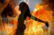 पत्नी को जिंदा जला खुद ही पहुचा पुलिस थाने , पोल खुलते ही .........