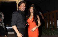 अपने दोस्तों संग इस तरह छुट्टियां बिता रही हैं शाहरुख खान की लाड़ली सुहाना