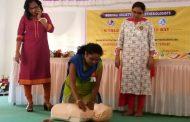 पालघर : दिल का दौरा पड़े व्यक्ति को बचाने का डॉ.योगेन भट ने कामगारों को दिया प्रशिक्षण
