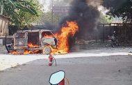 दहाणु में ओमनी कार में लगी भीषण आग , जलकर खाक हुई कार