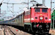 दुकान से चल रही थी ट्रेन टिकटों की कालाबाजारी , 4 साल में 25 लाख रुपये के टिकट बेचे