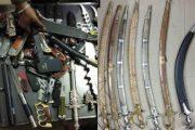 थाणे  : गिफ्ट आइटम के नाम पर हथियार बेचता वाला बीजेपी का नेता गिरफ्तार ,हथियारों का जखीरा बरामद