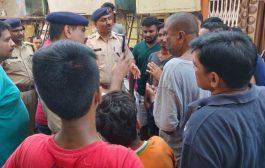 रेलवे पुलिस का जनजागरण अभियान, गांधी ने की गांधीगिरी से शुरुवात