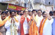 उद्धव ठाकरे ने अपने सांसदों के साथ किया रामलला के दर्शन, PM मोदी से किया राम मंदिर बनाने की मांग