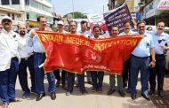 पशिचम बंगाल की घटना के विरोध में पालघर के डॉक्टरों ने निकाला मोर्चा