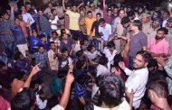 कमलेश तिवारी हत्याकांड : मुख्यमंत्री को बुलाने पर अड़े परिजन, अंतिम संस्कार करने से किया इनकार