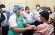 पीएम नरेंद्र मोदी ने शुरू किया वैक्सीनेशन, सीएम उद्धव ठाकरे ने जताई ख़ुशी, वैक्सीनेशन के लिए लगेंगे यह कार्ड